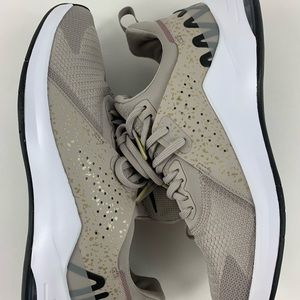 Nike Women's Air Max Bella Training Shoe 8.5 Gold